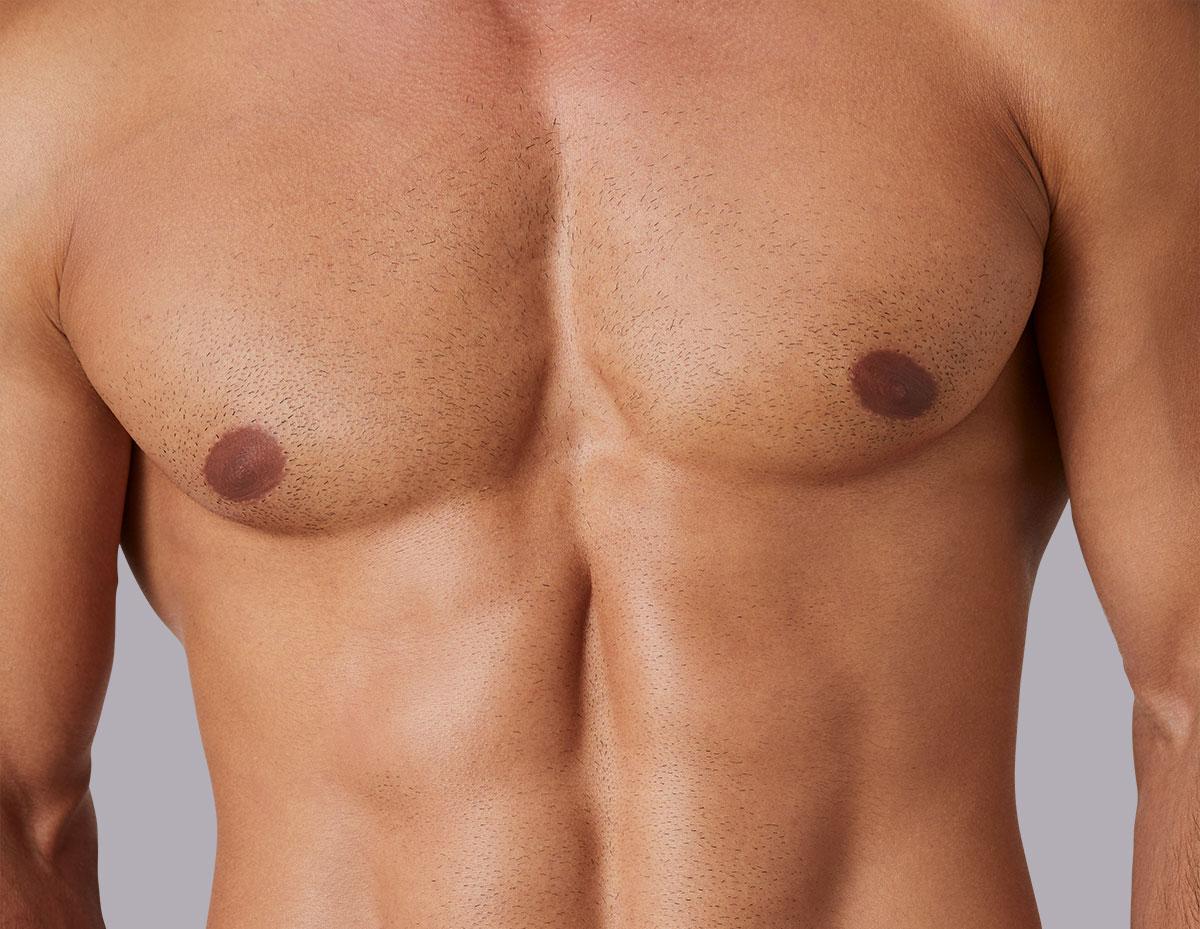 Rasierter, muskulöser Männeroberkörper